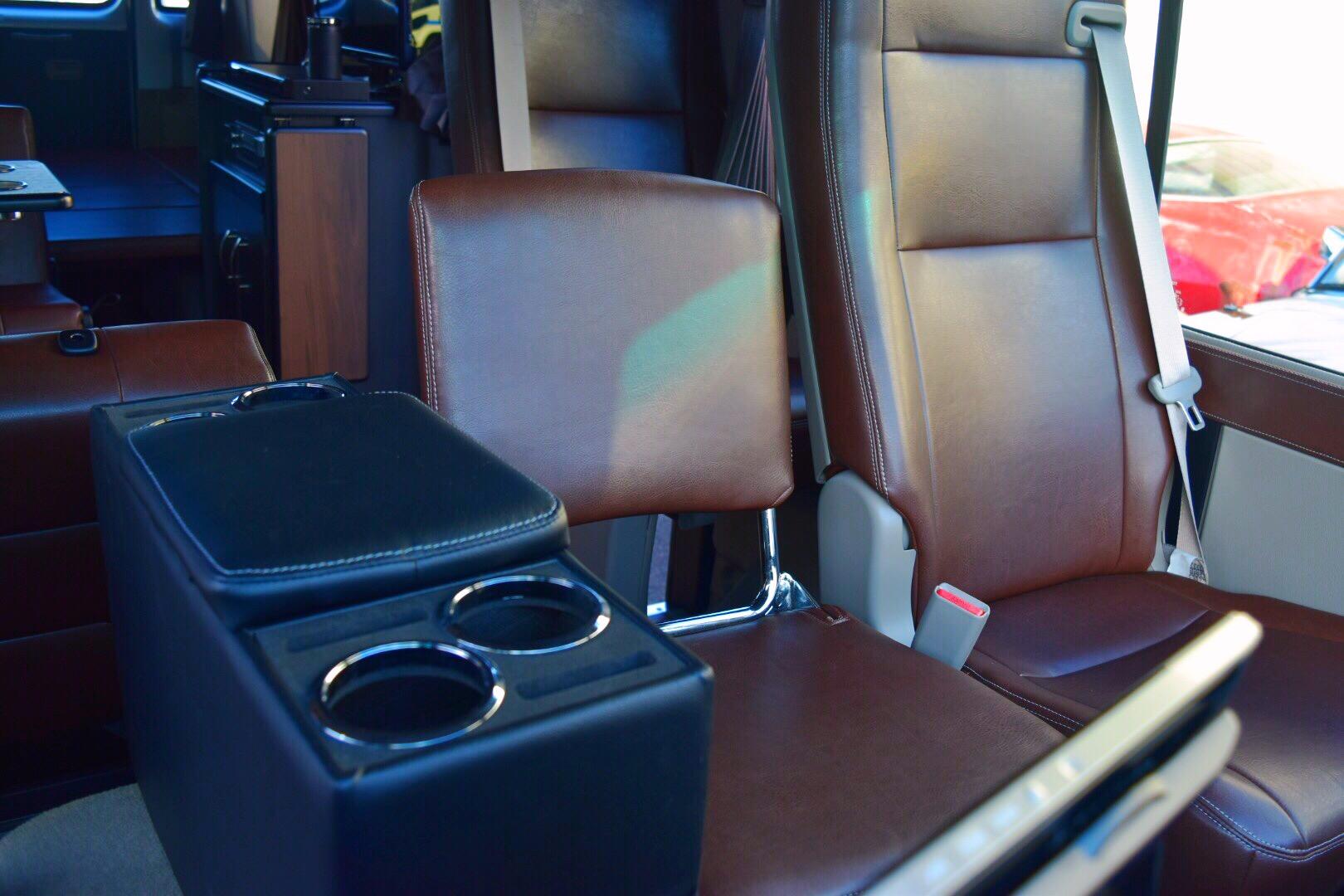 トヨタ コースター ショート キャンピングカー 18